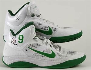 Lot Detail - 2010-11 Rajon Rondo Boston Celtics Signed ...