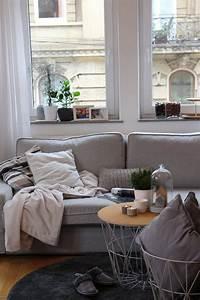 Welche Kissen Zu Rotem Sofa : die besten 25 graue sofas ideen auf pinterest graue ~ Michelbontemps.com Haus und Dekorationen