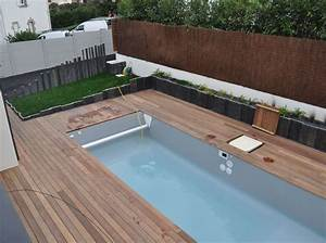 stunning autour de la piscine contemporary lalawgroupus With amazing amenagement de jardin avec piscine 4 selection chaise longue et transat autour de la piscine