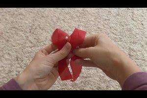 große schleife binden anleitung sch 246 ne schleifen binden anleitung f 252 r geschenkschleifen