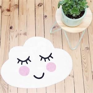 Tapis Forme Nuage : tapis en forme de nuage par sass belle ~ Teatrodelosmanantiales.com Idées de Décoration