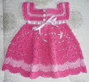 robe rose pour fillette et ses grilles gratuites With robe crochet bébé