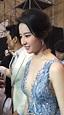 劉亦菲、へそまで見えるV字ドレスで登場_中国網_日本語