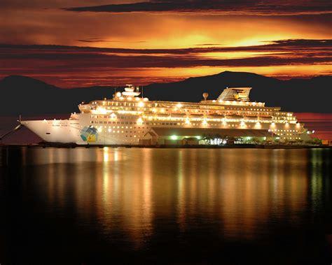 top 5 luxury cruise holidays in india luxury travel blog