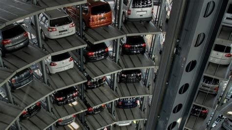 Failures Show Why We're Not Ready For Robotic Carparks