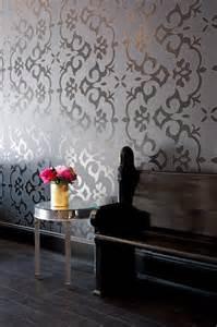 Papier Peint Style Baroque Leroy Merlin by Un Salon De Coiffure Au Style Glam Rock Frenchy Fancy