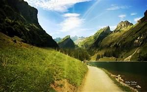 Beautiful Valley Desktop Wallpaper