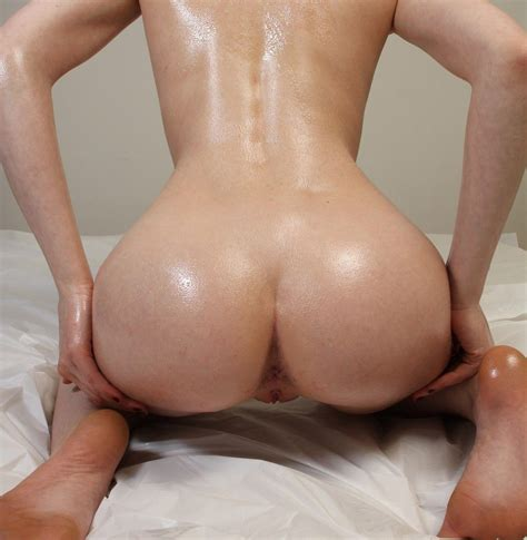 Oiled Up Amateur Babe Big Young Ass