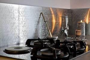 Adhesif Mural En Relief : carrelage adhesif pour cr dence titles bricolage deco ~ Premium-room.com Idées de Décoration