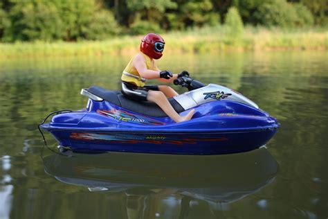 Speed Boat Jet Ski Racing by Rc Jet Ski Wave Jumper Vf1200 Radio Remote Speed