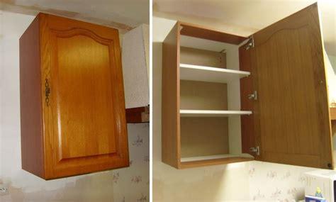fixer un meuble de cuisine au mur meuble posé