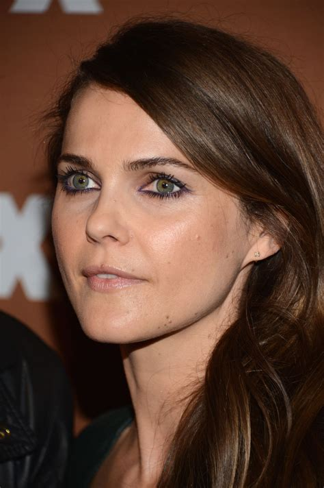 colorful eyeliner   play  safe types  keri russell glamour