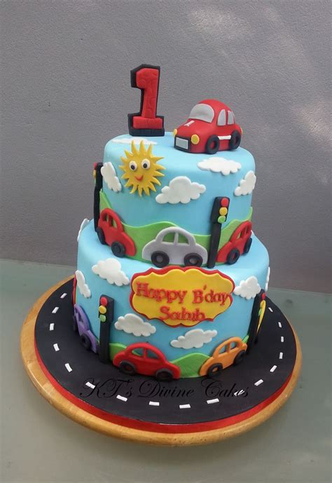 car cakes ideas  pinterest car shaped cake race car cakes  cake shapes