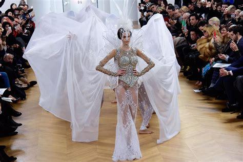 Naked Wedding Dress Baffles At Paris Couture Fashion