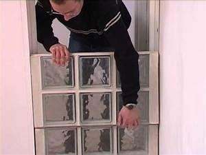 Panneau Brique De Verre : assemblage de briques de verre l 39 aide de panneaux ~ Dailycaller-alerts.com Idées de Décoration