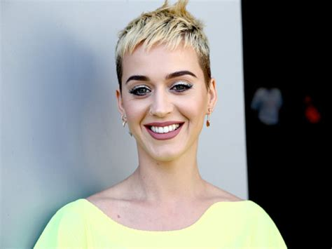 Katy Perry caused some buzz in a yellow shift dress that's
