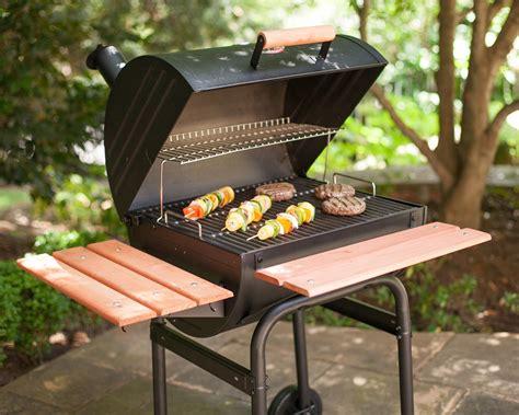 Char-griller E2123 Wrangler 635 Square Inch Charcoal Grill/smoker, Black