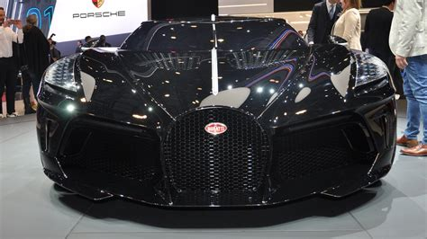 La voiture noire is a tribute to bugatti's own history, a manifesto of the bugatti aesthetic and a piece of automotive celebration of the automotive haute couture. Twitter, Facebook, and Instagram React to the Bugatti La Voiture Noire - MotorTrend | AutoMoto Tale