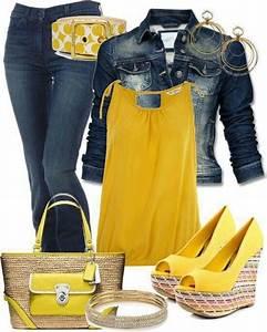 Mezclilla. jeans con chamarra en mezclilla y con una blusa amarilla combinada las sandalias y ...