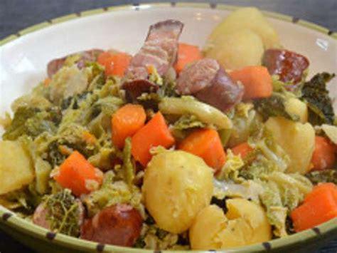 cuisine chou vert les meilleures recettes de chou vert et saucisse