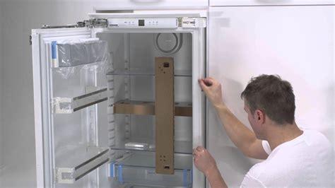 montage porte frigo encastrable vid 233 o int 233 grables les charni 232 res autoporteuses