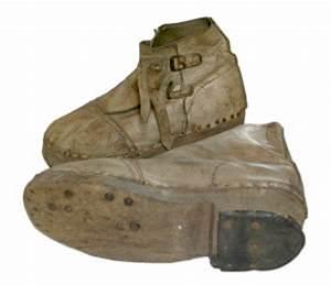 Schuhe Mit Holzsohle : die nachkriegszeit in deutschland schuhe und schuhversorgung der nachkriegszeit ~ Frokenaadalensverden.com Haus und Dekorationen