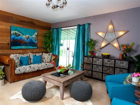 Inappropriate wall decorations can break the style of your room which is mostly created by furniture. Excellent Wall Decorating Ideas for Living Room - HomesFeed