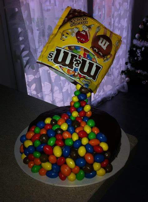 gravity cake mms chut je cuisine