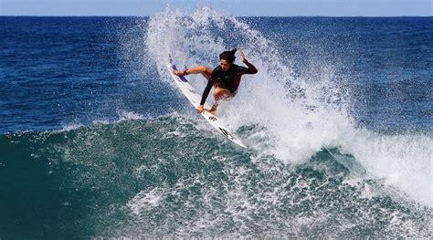 スタイリッシュなサーフィン マリア・マヌエル  Old Surfer サーフィンライフマガジン