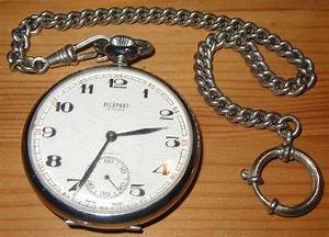 File:Pocket watch with chain.jpg