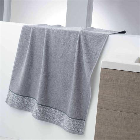 maxi drap de bain maxi drap de bain 150 x 90 cm 450gr linge de lit gris kiabi 13 00