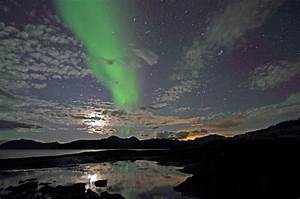Winter Lights Aurora Cold Weather Travel Guide At Wikivoyage