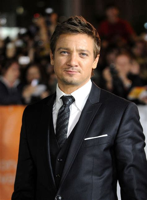 Jeremy Renner Pictures The Town Premiere