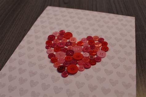 deco avec des boutons diy 26 cadre coeur en boutons timbi