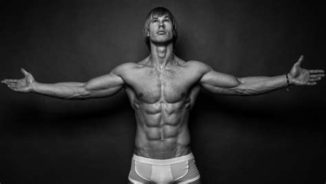 sixpack training uebungen ernaehrung fuer eure bauchmuskeln