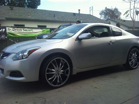 210 rent a wheel 2010 nissan altima on 22 in vct rims