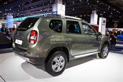 renault duster 2013 frankfurt 2013 dacia duster facelift live photos