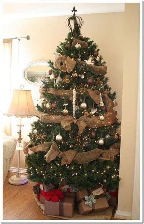 christmas tree decorations with burlap christmas decorating