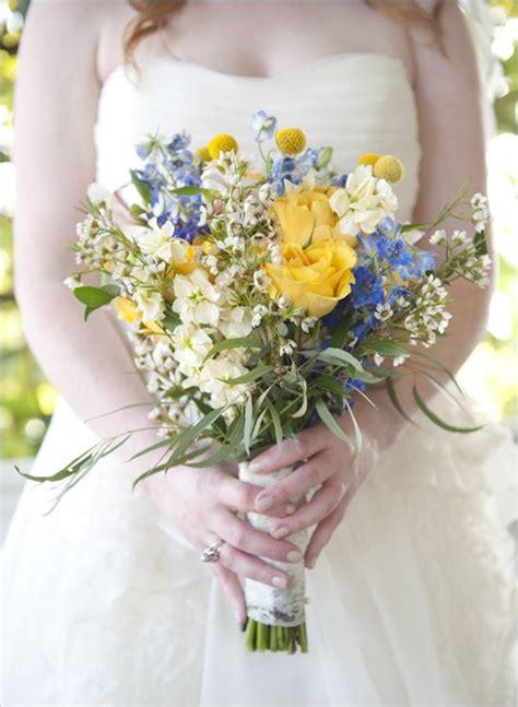 pretty bouquet  wedding colors    blue