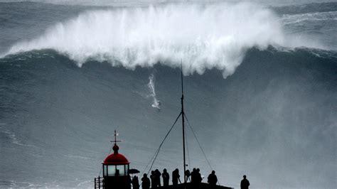 Carlos Burle Possibly Breaks Garrett Mcnamaras Big Wave