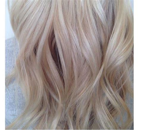 Blond E Hair And by Latte Blond W Odcieniu Kawy Z Mlekiem