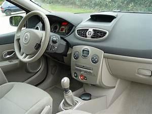 Clio 3 Boite Automatique : essai renault clio iii 1 5 dci 105 ch 2005 hyperclio ~ Gottalentnigeria.com Avis de Voitures