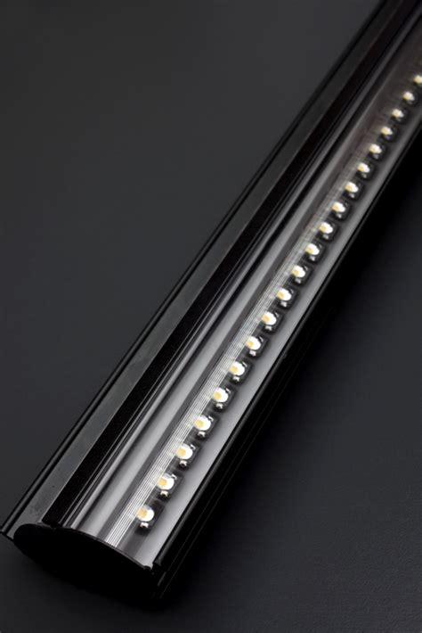 led lighting fixtures 2lb series reach in door led light fixtures 1