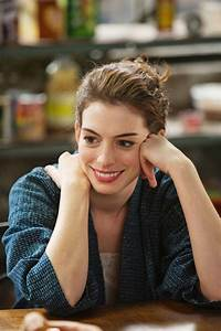 Anne Hathaway: Love and Other Drugs stills | Gabiyoung's ...