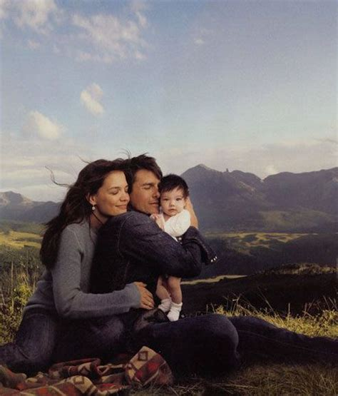 Katie, Tom & Suri By Annie Leibovitz  Annie Leibovitz