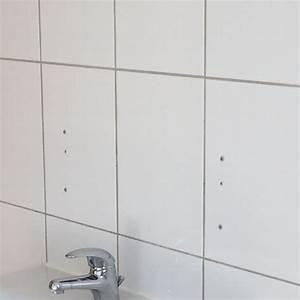 Löcher In Fliesen Kaschieren : wie d bell cher in fliesen richtig verschlie en badezimmer ~ Watch28wear.com Haus und Dekorationen