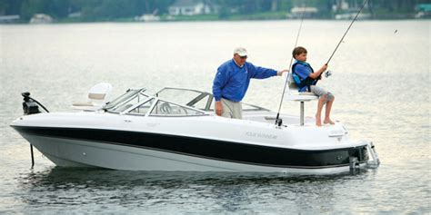 Turtle Bay Boat Rentals by 21 Foot Bow Rider Speed Boat Rental Available In Kelowna