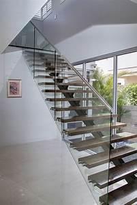 Treppengeländer Mit Glas : 40 treppengel nder glas luftiges gef hl im innendesign einsetzen ~ Markanthonyermac.com Haus und Dekorationen