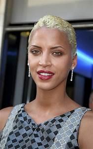 Coupe Femme Courte Blonde : coupe courte black ~ Carolinahurricanesstore.com Idées de Décoration