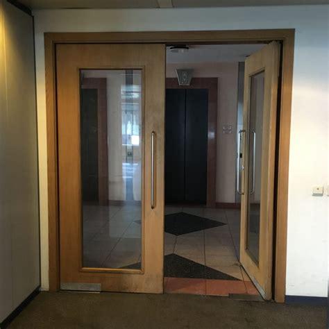 swing door  glass  de coene rotor deconstruction